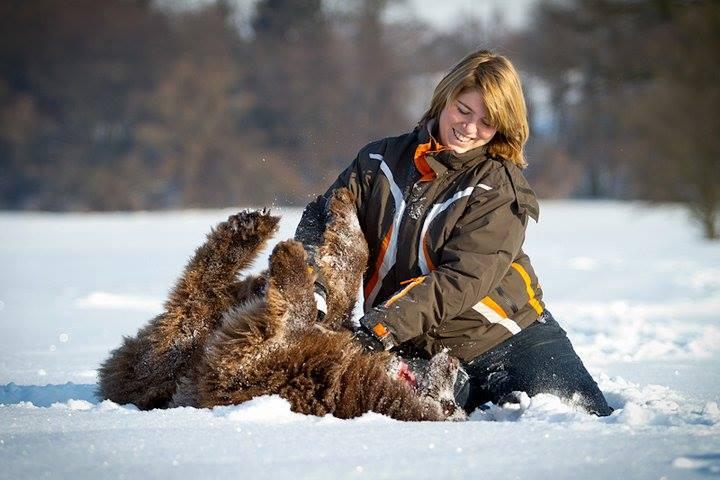 Ein schönes Zusammenleben: sich bei der Auswahl des Hundes ausreichend Zeit zu nehmen, ist hilfreich.